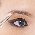 能拉长眼型的眼影画法
