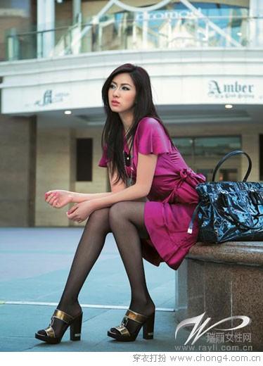 裙子和包包的搭配