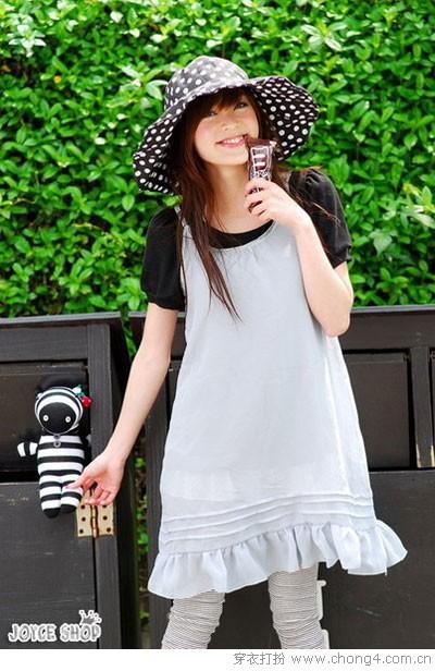 [小薇转载]今年夏天流行的帽子和衣服搭配