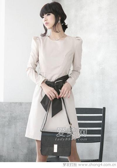 雅致纯白连衣裙