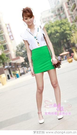 哈伦裤VS超短裙 比拼谁更精彩