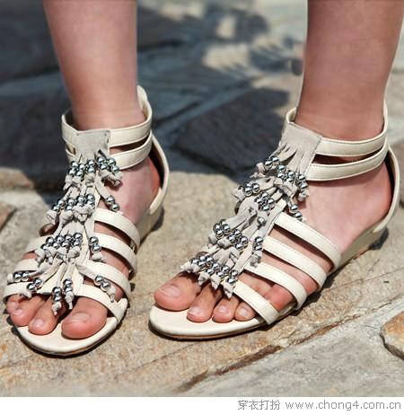 流行又实穿 夏日凉鞋秀