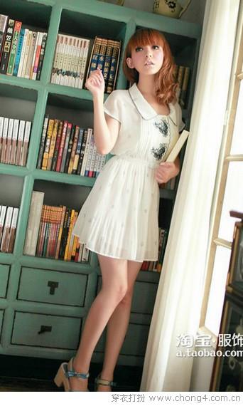 淡雅恬静纯色连衣裙