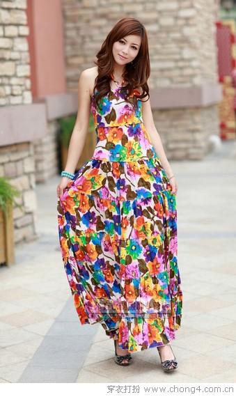 如何挑选同款不同色的长裙