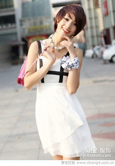<a style='top:0px;' href=/article-tag-k-%25E7%25BE%258E%25E7%25BE%258E.html target=_blank ><strong style='color:red;top:0px;'>美美</strong></a><a style='top:0px;' href=/article-tag-k-%25E7%25A4%25BC%25E6%259C%258D.html target=_blank ><strong style='color:red;top:0px;'>礼服</strong></a>裙 <a style='top:0px;' href=/article-tag-k-%25E7%25AE%2580%25E7%25BA%25A6.html target=_blank ><strong style='color:red;top:0px;'>简约</strong></a>不单调