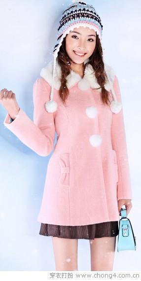 粉嫩毛呢大衣 变身白雪公主