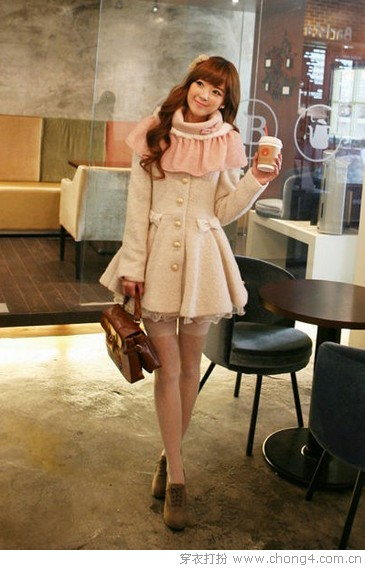 <a style='top:0px;' href=/index.php/article-tag-k-%25E5%25A8%2587%25E5%25B0%258F.html target=_blank ><strong style='color:red;top:0px;'>娇小</strong></a>女生显高秘器 高腰设计外套