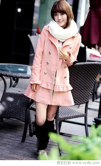 <a style='top:0px;' href=/index.php/article-tag-k-%25E5%25A4%2596%25E5%25A5%2597.html target=_blank ><strong style='color:red;top:0px;'>外套</strong></a>上的<a style='top:0px;' href=/index.php/article-tag-k-%25E7%2582%25B9%25E7%259D%259B.html target=_blank ><strong style='color:red;top:0px;'>点睛</strong></a>妙笔