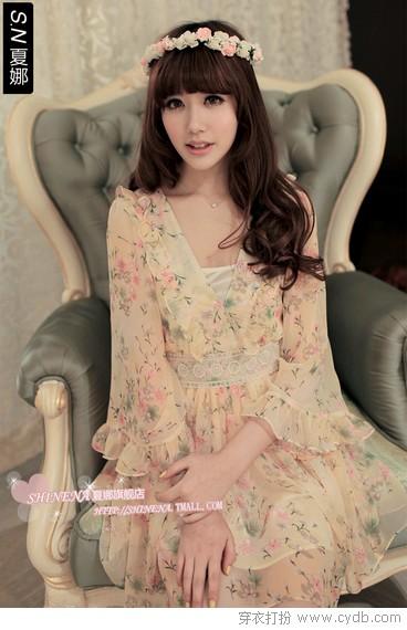 奇幻色彩连衣裙