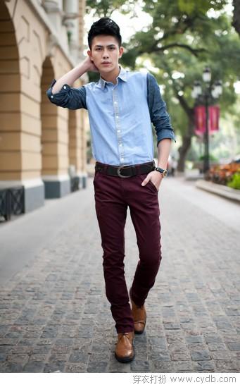 他的小脚裤 潮着时尚走