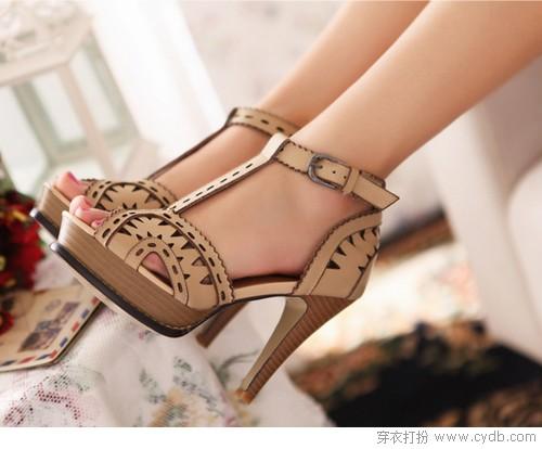 小鞋子寻找真爱的故事