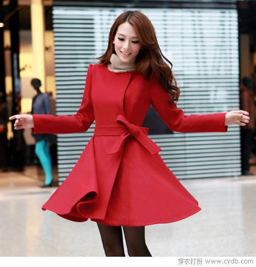 一衣两穿美<a style='top:0px;' href=/index.php/article-tag-k-%25E5%25A4%259A%25E5%25A7%25BF.html target=_blank ><strong style='color:red;top:0px;'>多姿</strong></a> 裙式外套走俏