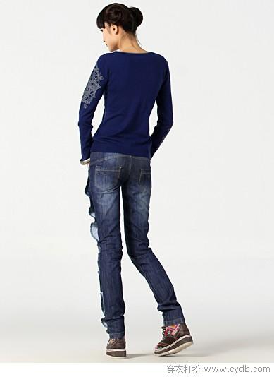 褶皱牛仔长裤