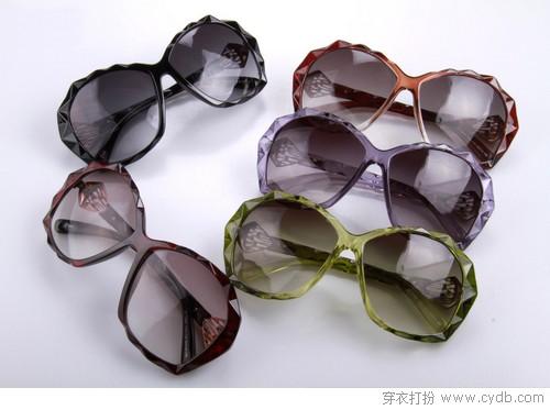 有太阳镜,夏季造型才完美