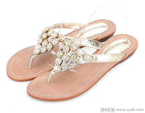 夹趾凉鞋让美丽更加稳妥自然
