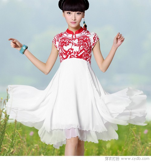 精致的花纹图腾将中国传统艺术剪纸