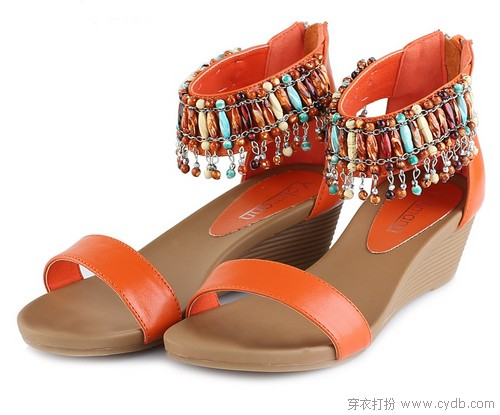 坡跟凉鞋 美丽不累脚