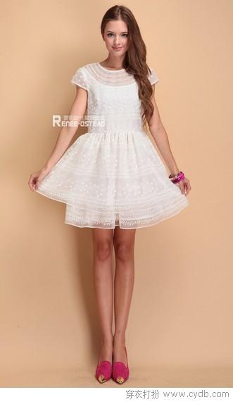 白裙飘飘如仙女 从此倾情又倾心