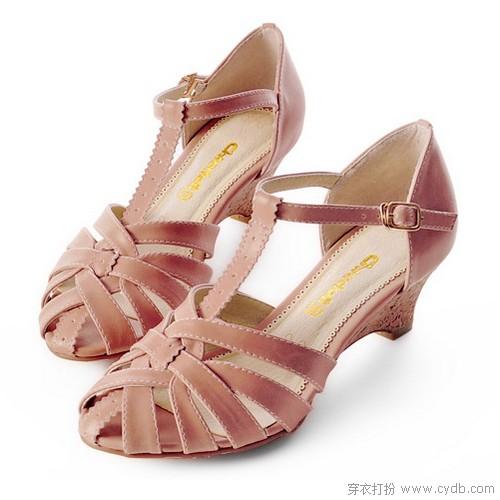 舒适鞋品靓丽穿搭