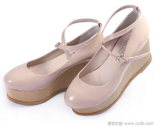 舒适厚底鞋让你气场高人一等