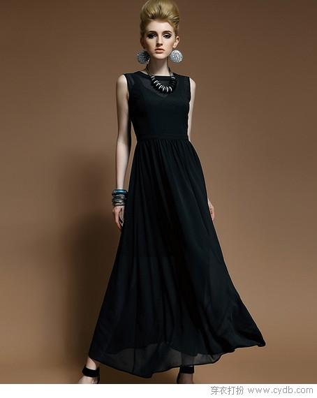 人生需要一件小黑裙