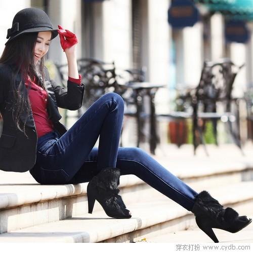 用牛仔裤完美冬日造型