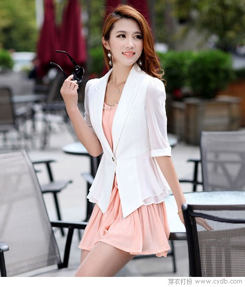 <a style='top:0px;' href=/index.php/article-tag-k-%25E6%2598%25A5%25E5%25A4%258F.html target=_blank ><strong style='color:red;top:0px;'>春夏</strong></a>薄外套 百搭是<a style='top:0px;' href=/index.php/article-tag-k-%25E5%2585%25B3%25E9%2594%25AE.html target=_blank ><strong style='color:red;top:0px;'>关键</strong></a>