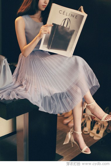 穿时尚背心裙清凉度炎夏
