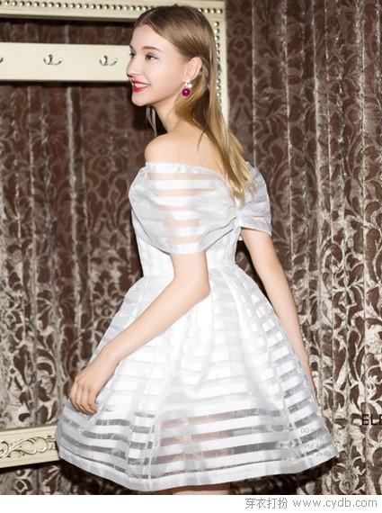 从依文大秀 看白裙翩然