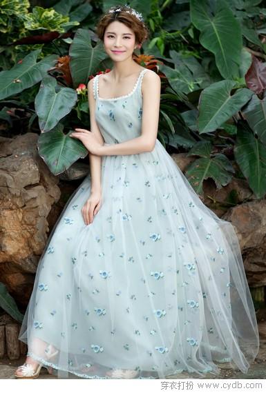长裙夏季穿不腻 仙女风浪漫来袭