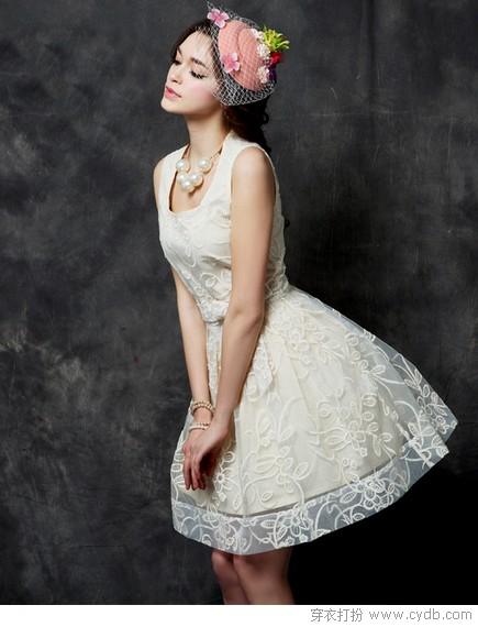明星都爱小白裙