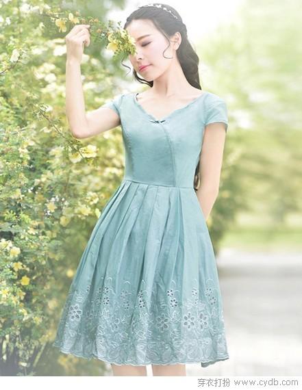 里购买--复古修身显瘦纯色连衣裙 ←-戒不掉的纯色瘾