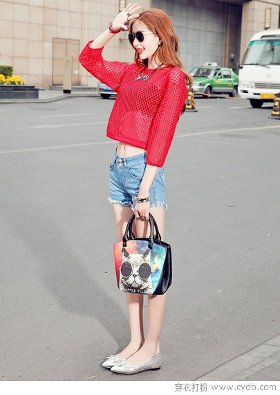 尖头鞋的<a style='top:0px;' href=/article/tag/k/%25E6%2597%25B6%25E5%25B0%259A.html target=_blank ><strong style='color:red;top:0px;'>时尚</strong></a>度