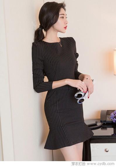 短款连衣裙的膝上魅力