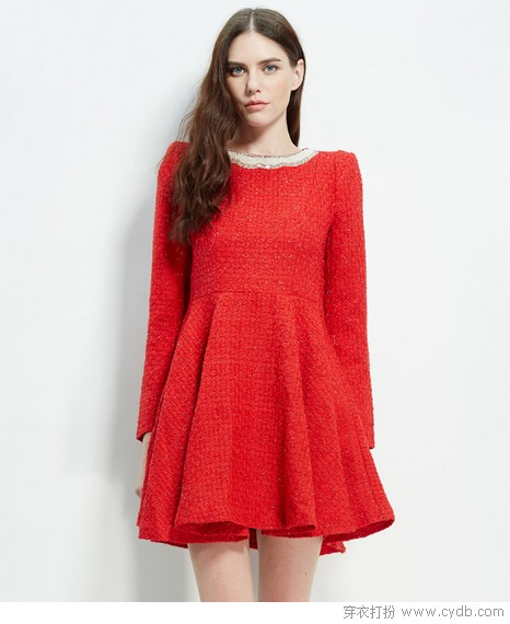 美<a style='top:0px;' href=/article/tag/k/%25E8%2589%25B3%25E7%25BA%25A2.html target=_blank ><strong style='color:red;top:0px;'>艳红</strong></a>裙<a style='top:0px;' href=/article/tag/k/%25E7%2582%25BC%25E5%25B0%25B1.html target=_blank ><strong style='color:red;top:0px;'>炼就</strong></a><a style='top:0px;' href=/article/tag/k/%25E6%25B0%2594%25E8%25B4%25A8.html target=_blank ><strong style='color:red;top:0px;'>气质</strong></a>暖美人