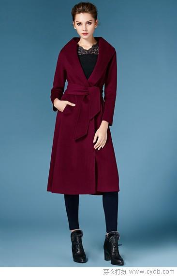 纯色羊绒大衣,纯粹典雅之美