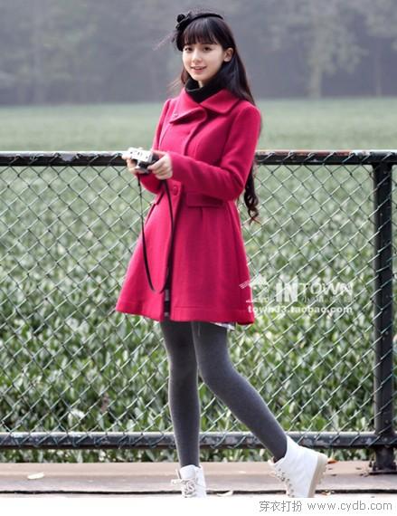 学凯特王妃 演绎裙式大衣风尚
