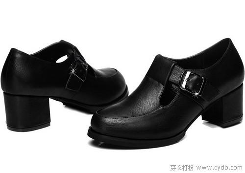 跟米兰达体验黑色高跟鞋的魔力