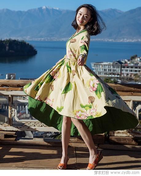 大衣里面穿长裙,美丽与温暖兼得