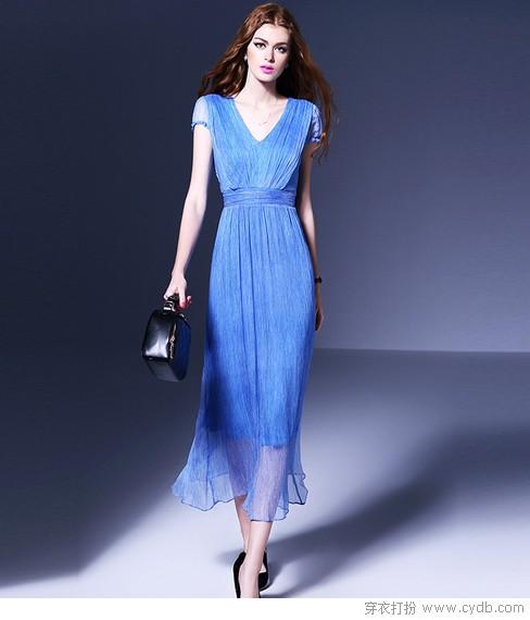 褶系列裙装服装设计图片