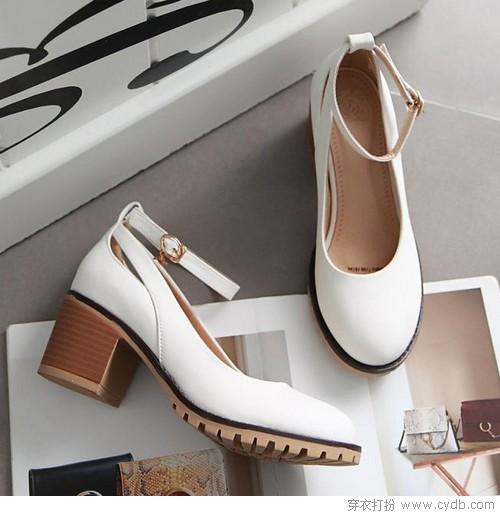 当你露脚踝的时候,你在穿什么鞋