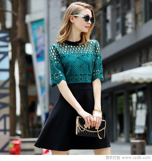 被<a style='top:0px;' href=/article/tag/k/%25E9%25A3%258E%25E5%2590%25B9.html target=_blank ><strong style='color:red;top:0px;'>风吹</strong></a>过的连衣裙,<a style='top:0px;' href=/article/tag/k/%25E6%25B5%25B8%25E6%25B6%25A6.html target=_blank ><strong style='color:red;top:0px;'>浸润</strong></a>着夏天的味道