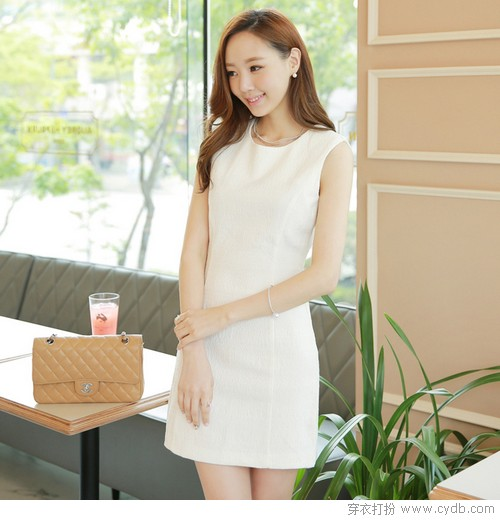 迷情<a href=/?m=search&a=index&k=%E7%9B%9B%E5%A4%8F target=_blank ><b style=color:red>盛夏</b></a>,教你约会时如何穿<a href=/?m=search&a=index&k=%E5%87%BA%E6%96%B0 target=_blank ><b style=color:red>出新</b></a>花样