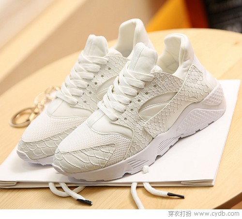 穿舒服鞋走精彩路,小白鞋的浪漫你真懂嗎