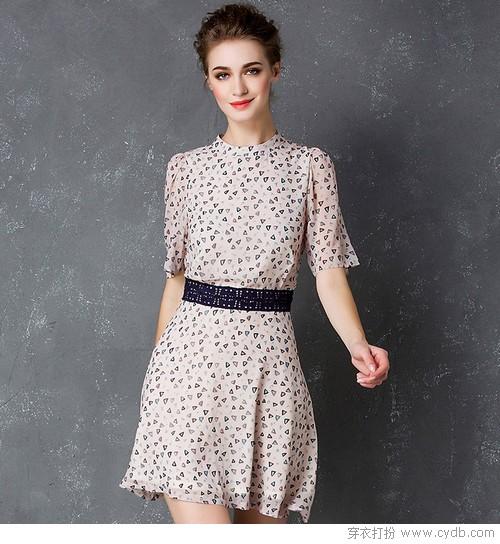 印花裙才是爱美女人的时尚好归宿