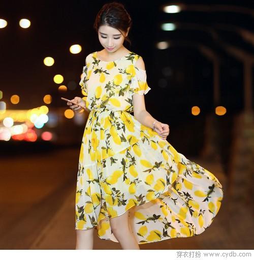 印花裙的内敛和外放,你喜欢哪一种?