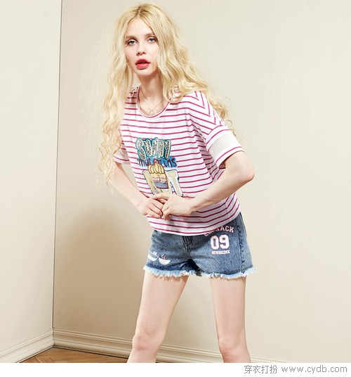 <a style='top:0px;' href=/article-tag-k-%25E5%25BB%25B6%25E7%25BB%25AD.html target=_blank ><strong style='color:red;top:0px;'>延续</strong></a>盛夏好时光,印花笑得好欢脱