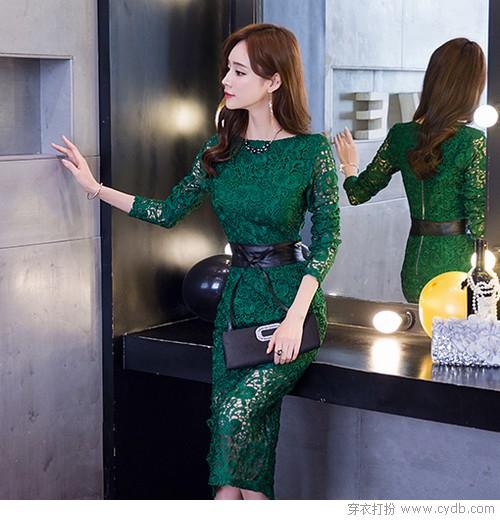 用蕾丝连衣裙打底,也是奢侈的没sei了!