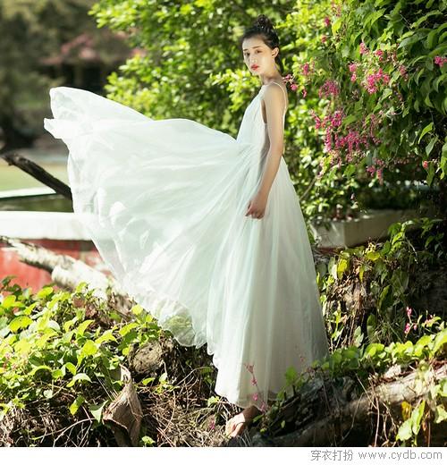 仙气地气两相宜,最美不过白裙一袭