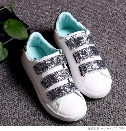 """为什么我们会爱上穿""""小白鞋""""?"""